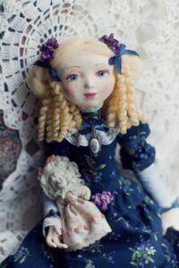 Волгоградцев научили делать кукол по технологии мастеров XVIII века